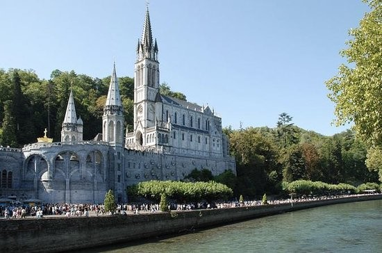 Day Trip To Lourdes And
